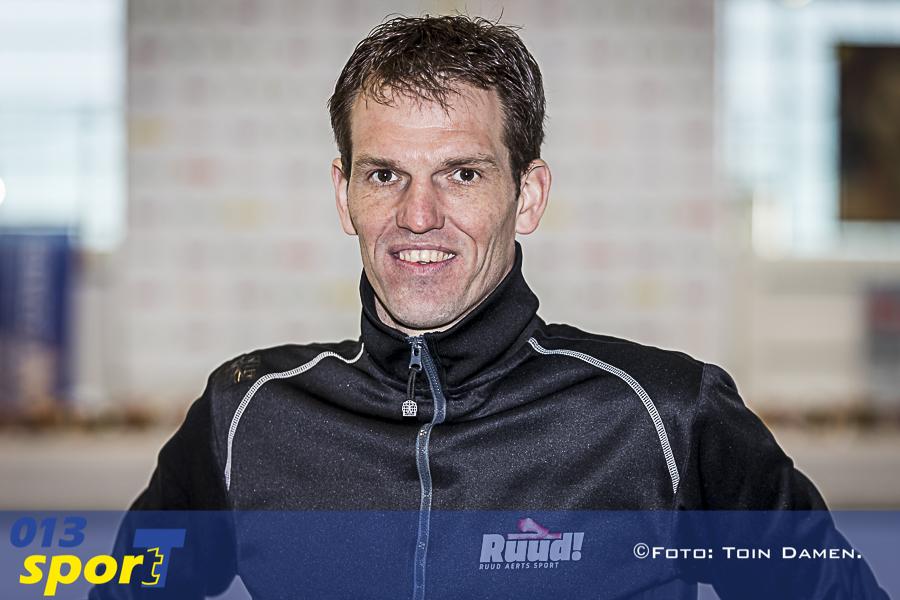 TILBURG - KPN cup 15, Nederlands kampioenschap marathonschaatsen voor de jeugdcategorieën 17-02-2018. Ireen Wustbaan. Marathonschaatsen. Ruud Aerts.