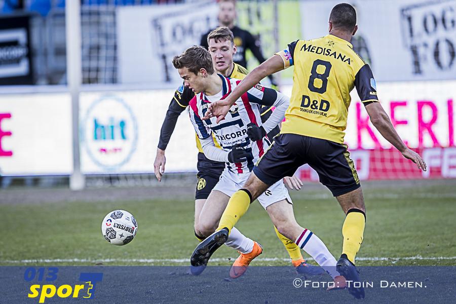 TILBURG - Willem II - Roda JC 1-0, koning Willem II stadion, 25-02-2018. Voetbal, seizoen 2017-2018. De debuterende Kristofer Kristinsson in duel met Roda JC speler Adil Auassar.