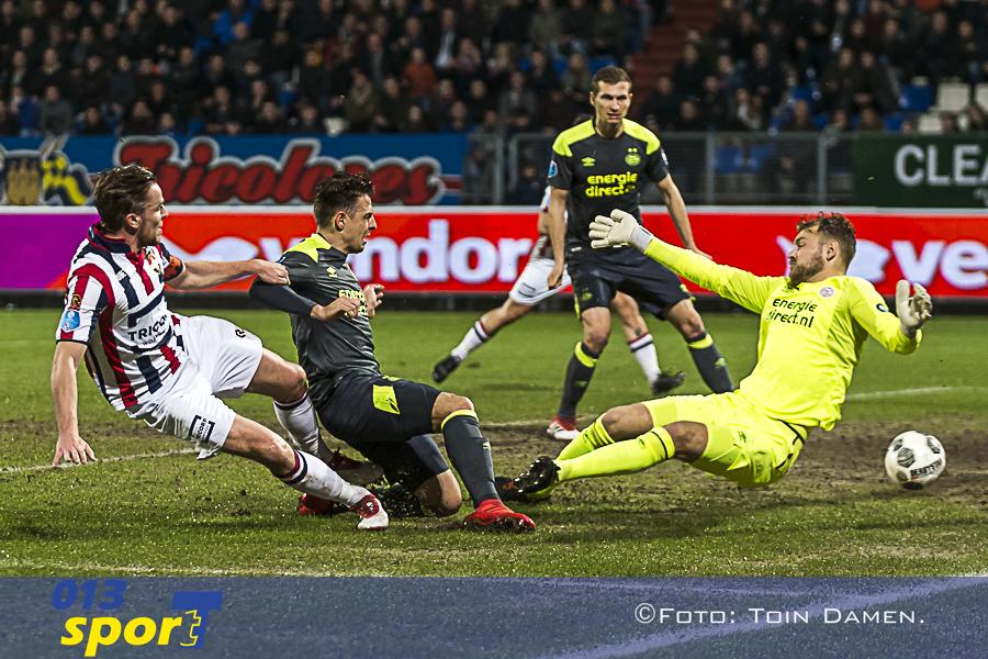 TILBURG - Willem II - PSV,  Koning Willem II stadion 10-03-2018. Voetbal, seizoen 2017-2018. Willem II speler Ben Rienstra scoort de 1-0.