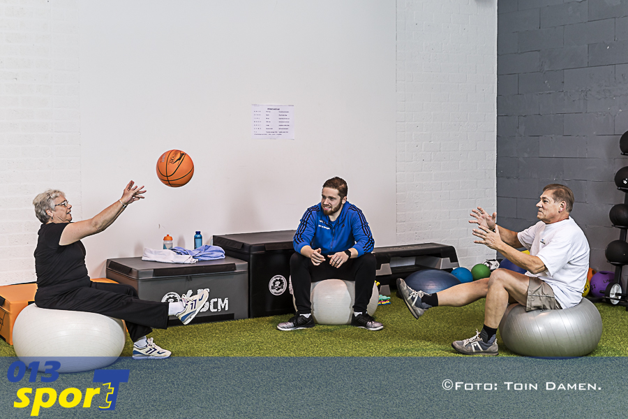 Tilburg - 55+ fitness 08-11-2018. Sportinsituut Ooms. Nel en Ronald 55 plus project.